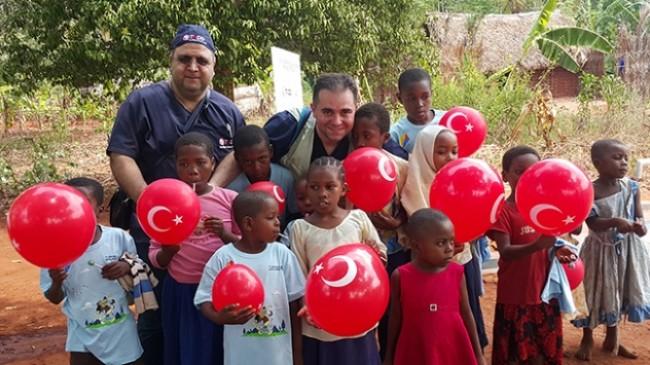 Türk doktorlar Afrika'nın umudu oldu