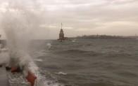 Çatılara, ağaçlara ve direklere dikkat! Meteoroloji'den İstanbul için fırtına uyarısı