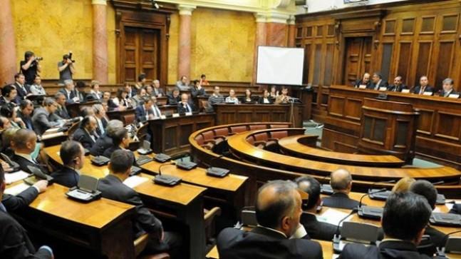 """Sırbistan Meclisi'nden """"soykırım"""" tasarısına ret"""