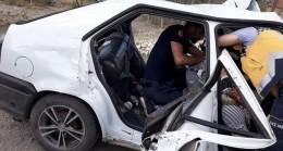 Tokat'ta otomobil korkuluklara çarptı: 2 ölü, 4 yaralı